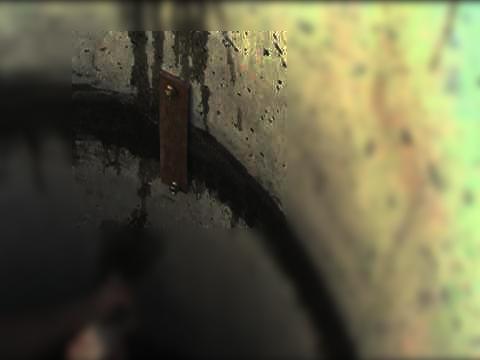 Как скрепить кольца колодца с помощью строительных скоб