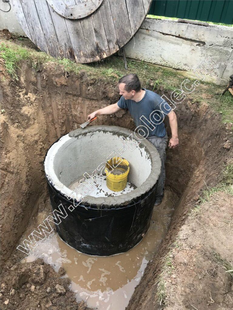 монтаж бетонного септика - заделка швов